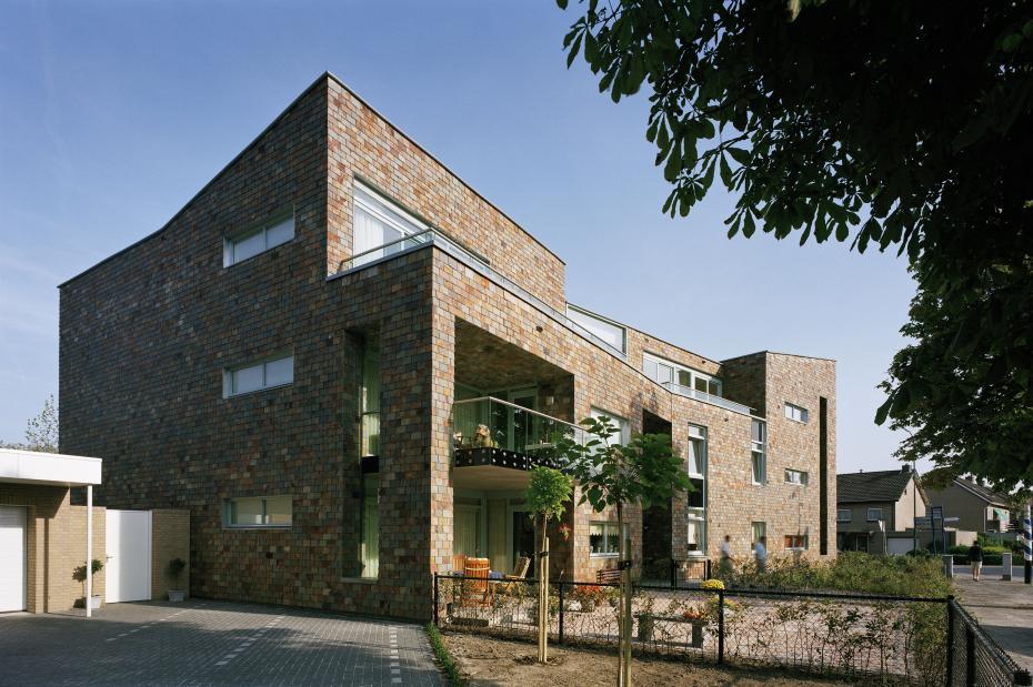 11 appartementen de sprong prinsenbeek rinus roovers architectuur - Architectuur renovatie ...